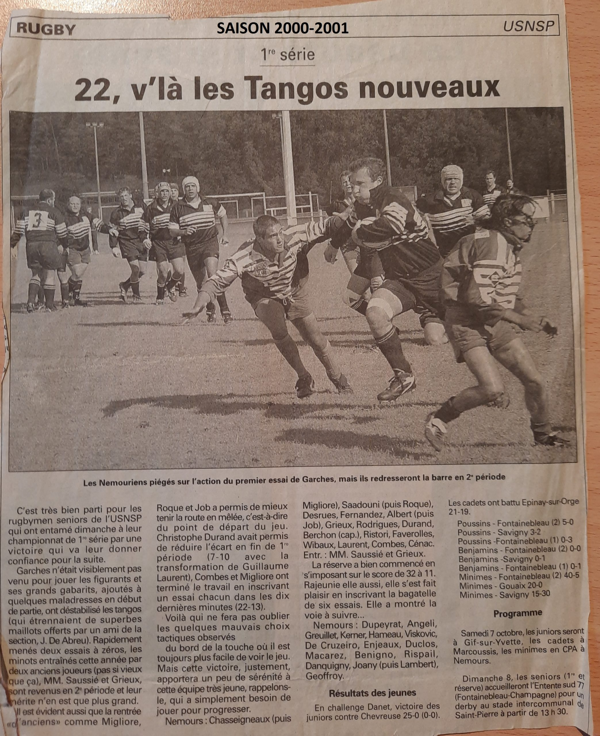 Eclaireur du Gâtinais 2000-10-04